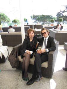 Катя Топоркова и Юрий Обозный на обслуживании делегации.